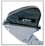 ダブルジョイント式の使いやすいヘッドレストまたは電動ヘッドレストの選択が可能
